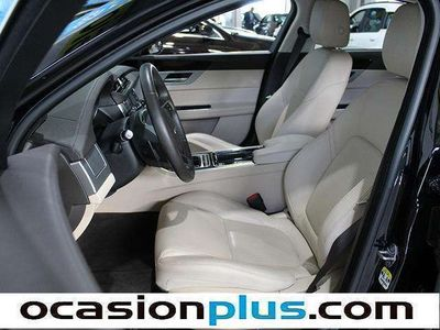 usado Jaguar XF 2.0D Portfolio Auto (180CV)