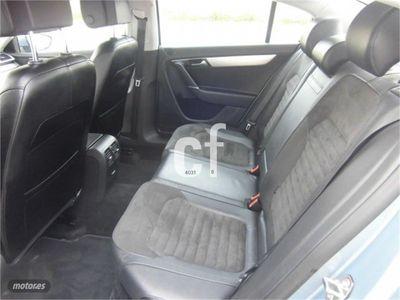usado VW Passat 2.0 TDI 140cv Highline BlueMotion Tech