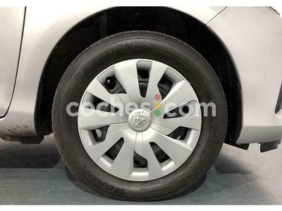 usado Toyota Yaris 1.5 Active 111 cv
