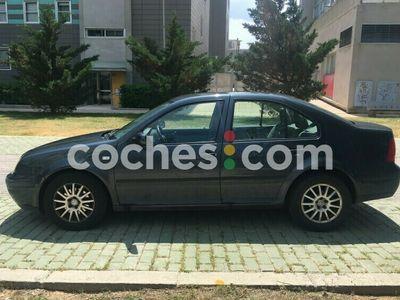 usado VW Bora 1.9tdi Conceptline 100 100 cv en Zaragoza