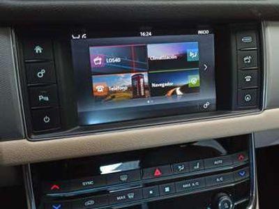 usado Jaguar XF 2.0i4D Prestige Aut. 180