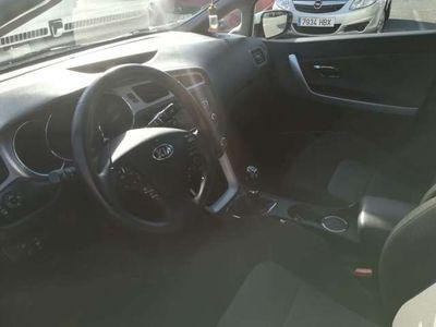 used Kia cee'd cee'd /Cee´d 1.6CRDi Drive