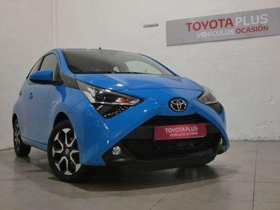 "usado Toyota Aygo ""1 0 70 x-play"""