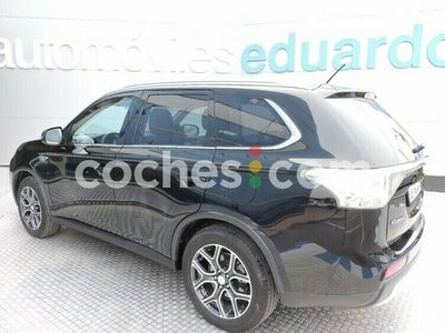 usado Mitsubishi Outlander P-HEV Kaiteki 203 cv en Rioja, La
