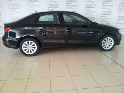 usado Audi A3 Sedan 1.6 TDI clean diesel Attracte