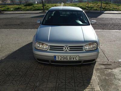 usado VW Golf 1.9 TDi Advance 110CV -02
