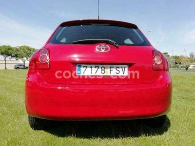 usado Toyota Auris 1.4d-4d Luna 90 cv en Badajoz