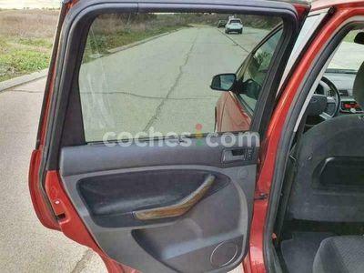 usado Ford C-MAX C-max1.8 Flexifuel Ghia 125 cv en Madrid