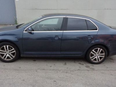 usado VW Jetta 1.9TDI Advance Bluemotion