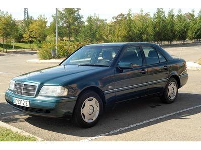 gebraucht Mercedes 180 Clase c FamiliarElegance