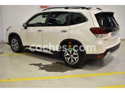 usado Subaru Forester 2.0i Hybrid Executive Cvt 150 cv en Sevilla