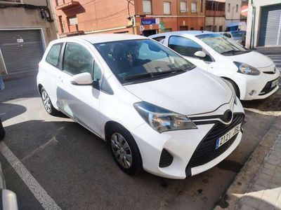 usado Toyota Yaris 1.4D-4D Active