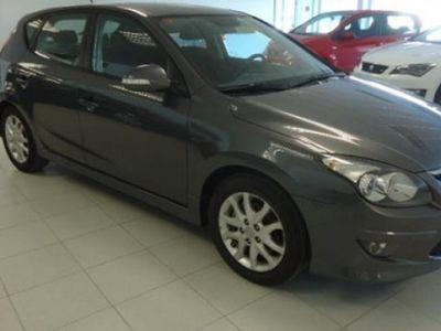 gebraucht Hyundai i30 128CV 2010 138950 KM a € 8000.00 en buen estado