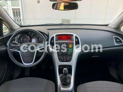 usado Opel Astra 1.7cdti S-s Selective 110 cv en Castellon
