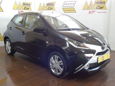 used Toyota Aygo 1.0 VVT-i x-play Business