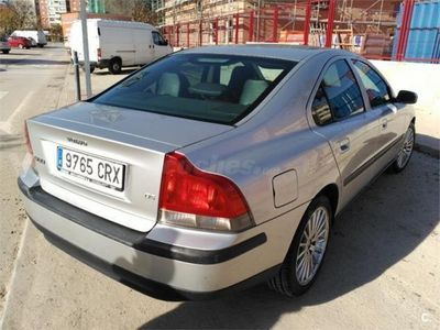 usado Volvo S60 D5 Kinetic 4p. -04