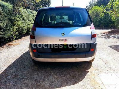 usado Renault Scénic II 1.4 Confort Expression 100 100 cv en Madrid
