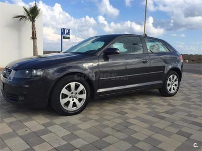 usado Audi A3 1.6 FSI Attraction CLIMA SENSOR LUZ Y REG VEL