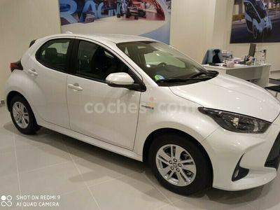 usado Toyota Yaris 120h 1.5 Business Plus 116 cv en Salamanca