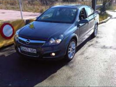 usado Opel Astra Sedán 1.8 Cosmo
