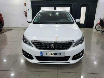 usado Peugeot 308 1.5bluehdi S&s Allure 130 130 cv en Madrid