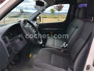 usado Toyota HiAce Fg. 2.5d-4d Lwb 117 4x4 117 cv en Teruel