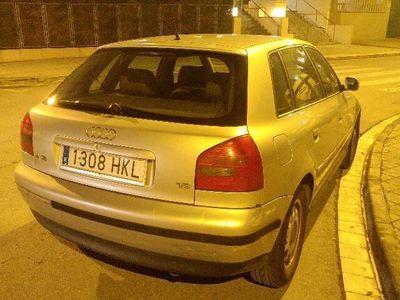 usado Audi A3 1.6 Attraction