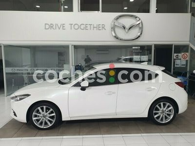 usado Mazda 3 2.0 Luxury Navegador Aut. 88kw 120 cv en Barcelona