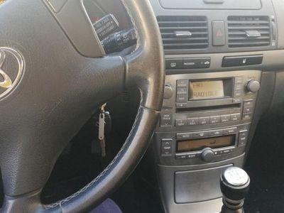 usado Toyota Avensis 2.0D-4D Sol