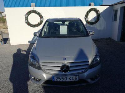 gebraucht Mercedes 180 Clase B -enzCDI E oferta del mes !! libro de mantenemiento