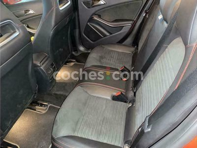 usado Mercedes GLA180 Clase GlaStyle 122 cv en Barcelona
