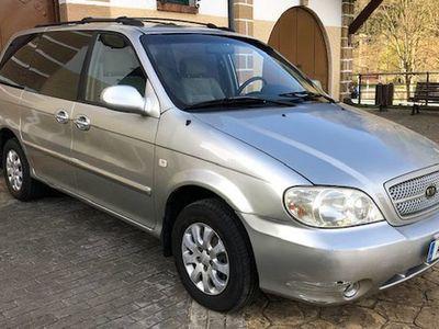 used Kia Carnival 2.5 V6 LX