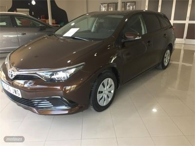 used Toyota Auris 1.4 90D Business Touring Sports