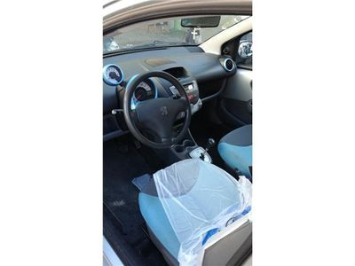 usado Peugeot 107 1.0i Urban Move 2