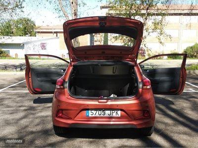 gebraucht Hyundai Coupé i20 1.2Klass Orange
