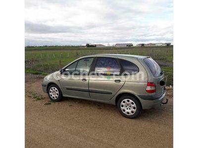 usado Renault Scénic II 1.9dci Confort Expression 120 cv en Salamanca