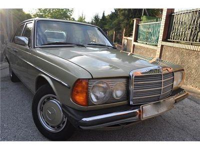 usado Mercedes 300 C D AUT 82CVPIEL VERDEKLIMA ATEMPOMATESPANA