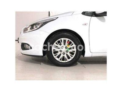 usado Kia cee'd Cee´d 1.4crdi Drive 90 cv en Burgos