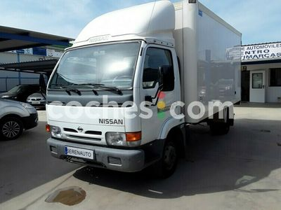 usado Nissan Cabstar -e 120.35-2 Cabina Abatible 120 cv en Badajoz