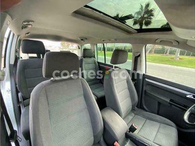usado VW Touran 1.6 Fsi Advance 115 cv en Valencia