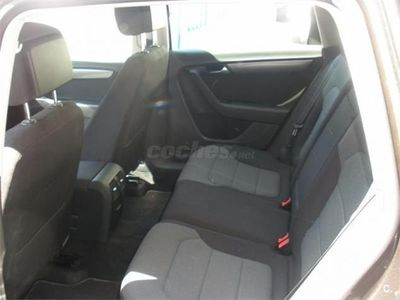 usado VW Passat Variant 1.6 Tdi 105cv Exclusive Bmt 5p. -13