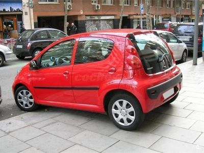 usado Peugeot 107 1.0i Urban 68cv 5p. -11
