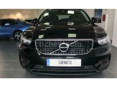 usado Volvo XC40 Xc40T2 Momentum Core Aut. 129 cv en Madrid
