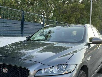 usado Jaguar F-Pace 2.0i4D Prestige Aut. AWD 240