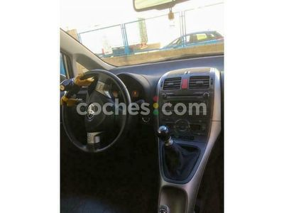 usado Toyota Auris 2.2d-4d Sport 177 177 cv en Badajoz
