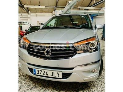 usado Ssangyong Rodius D22t Premium 178 cv en Madrid