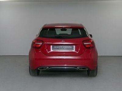usado Mercedes 180 A Series CLASECDI BLUEEFFICIENCY BERLINA color rojo año 2016 € 26600.00