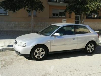 usado Audi A3 1.9 TDi Attraction 130 CV -01
