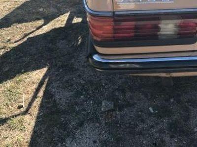 usado Mercedes 250 esta buen restaurado