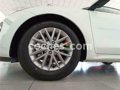 usado Kia Rio 1.0 T-gdi Mhev Imt Drive 100 100 cv en Cordoba